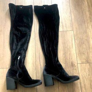 High velvet boots 8